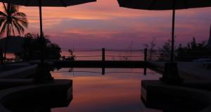 Dusk Over Pool Deedee Villa Retreat Koh Phangan Thailand